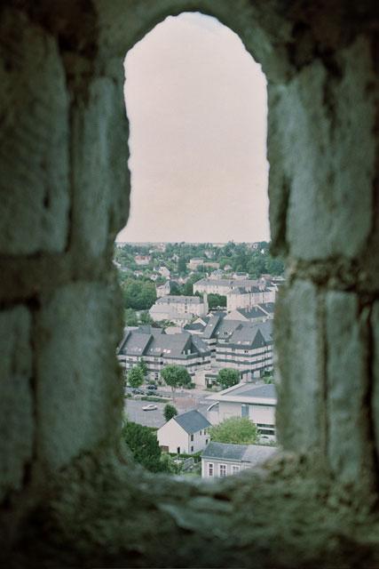 城塞の窓から、ずっと(筆者・撮影)